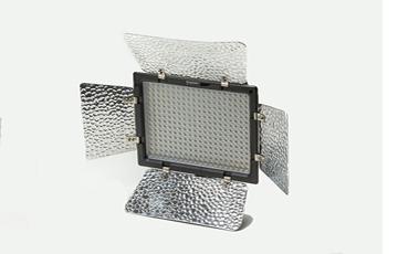 CKR YONGNUO LED バッテリーライト YN300